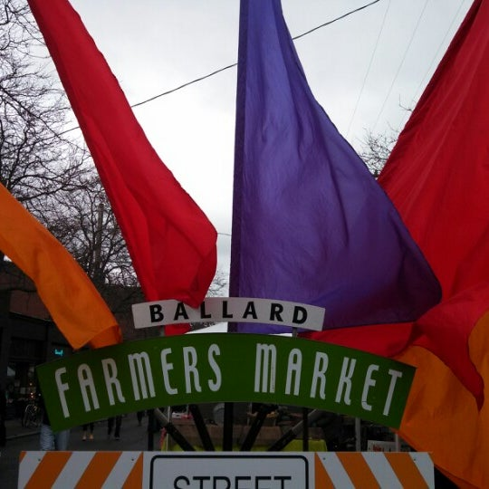 Photo prise au Ballard Farmer's Market par Taylor O. le1/27/2013