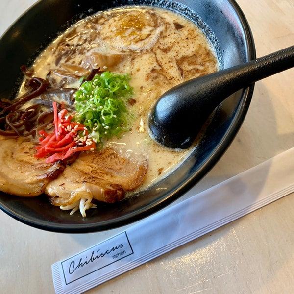 Das Foto wurde bei Chibiscus Asian Cafe & Restaurant von seiko am 9/17/2019 aufgenommen