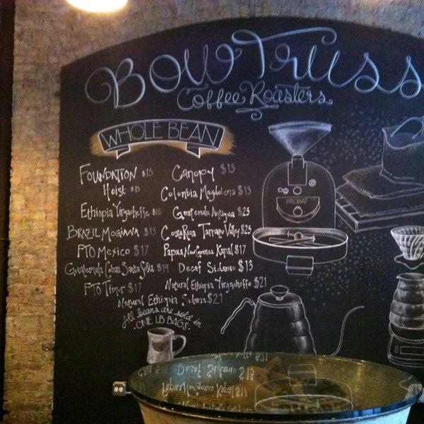 Foto tirada no(a) Bow Truss Coffee por Brad T. em 3/20/2013