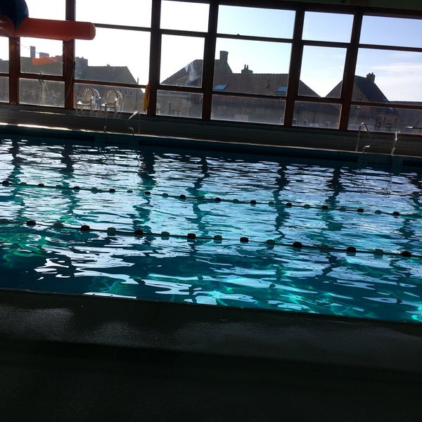 Stedelijk Zwembad Piscine A Veurne