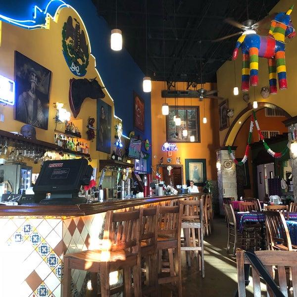 Das Foto wurde bei Mi Pueblito Restaurant Bar & Grill von Deven N. am 9/25/2018 aufgenommen