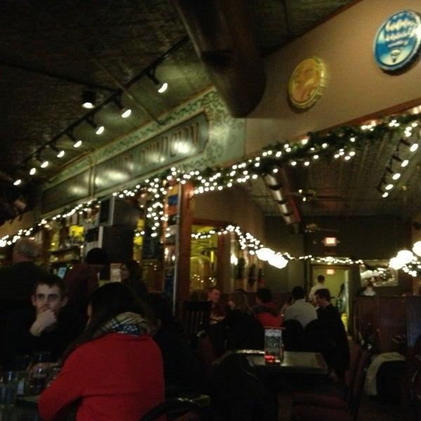 Foto tomada en Arbor Brewing Company por CJ G. el 12/29/2012