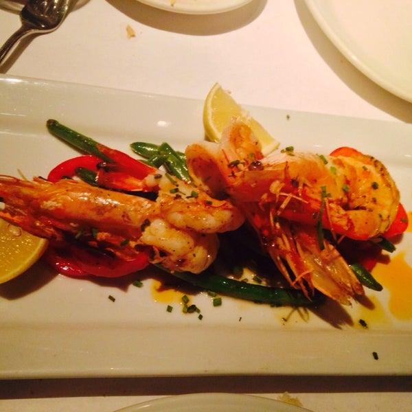 Foto diambil di Vivo Restaurant oleh Jaclyn L. pada 3/5/2014