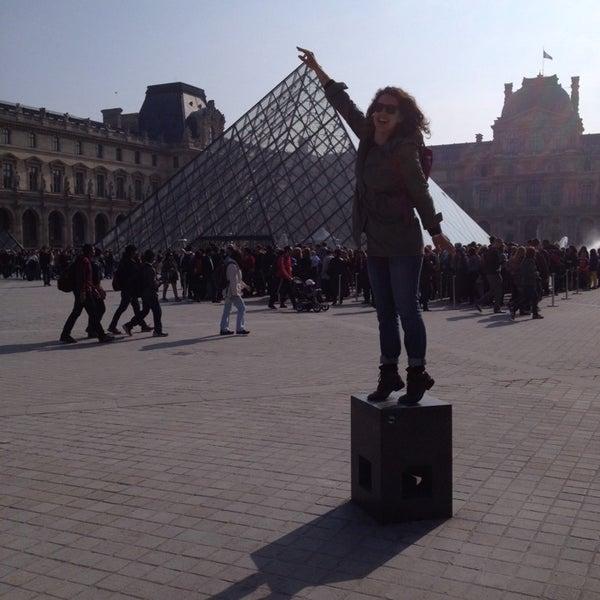 Foto tomada en Le Louvre Ripaille por Tara el 4/12/2014