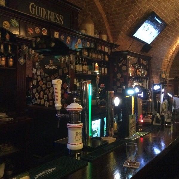 Отличный интерьер, выбор пива, стойка, экраны с футболом, экспаты, приятные бармены! Всем Святого Патрика, например!