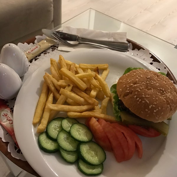 4/26/2017에 👸🏻ŞEYDA👸🏻님이 Çimenoğlu Otel에서 찍은 사진