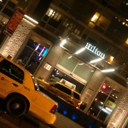 9/25/2012 tarihinde Chris B.ziyaretçi tarafından Hilton New York Fashion District'de çekilen fotoğraf