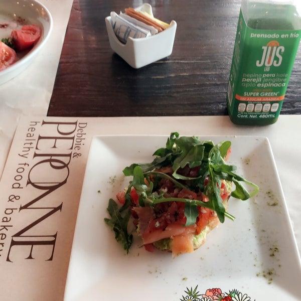 Foto tomada en Peponne Healthy Food & Bakery por Marcela M. el 9/9/2018