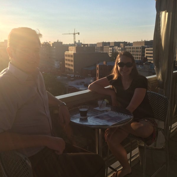 8/16/2014에 Katie A.님이 Beacon Sky Bar에서 찍은 사진