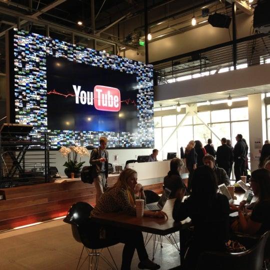 Снимок сделан в YouTube Space LA пользователем ASAP R. 11/28/2012