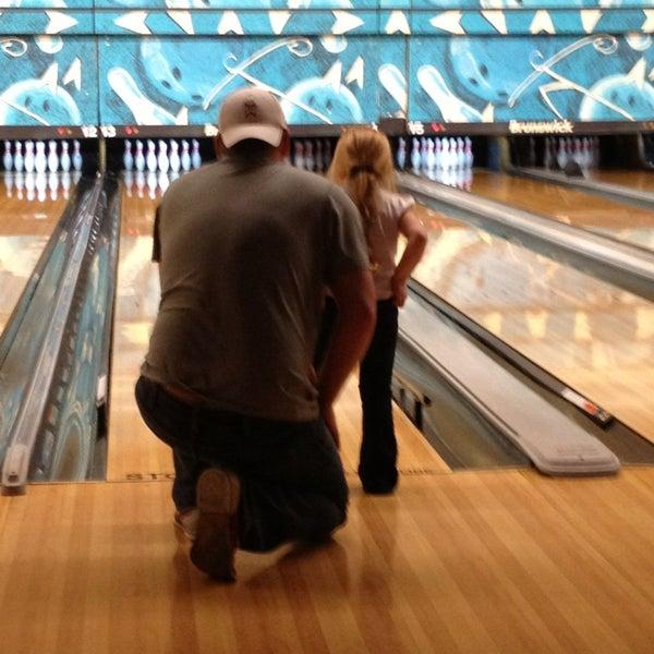 รูปภาพถ่ายที่ Park Tavern Bowling & Entertainment โดย Cliff B. เมื่อ 3/31/2013