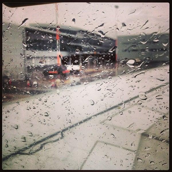 รูปภาพถ่ายที่ Liverpool John Lennon Airport (LPL) โดย Mindaugas V. เมื่อ 4/21/2013