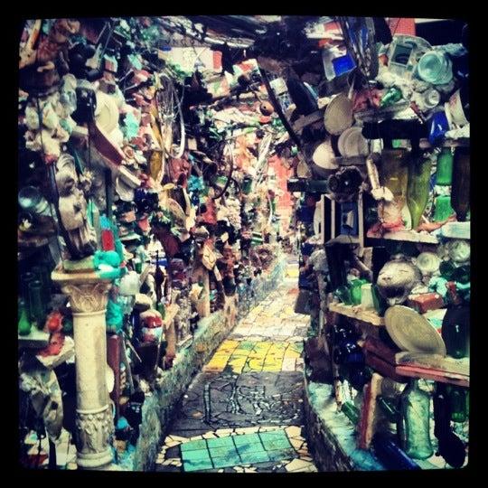 Foto scattata a Philadelphia's Magic Gardens da mitzanator il 10/2/2012