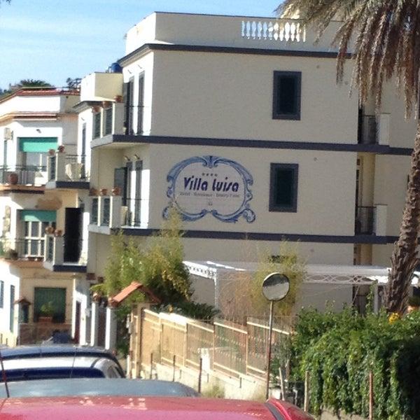 Das Foto wurde bei Hotel Villa Luisa von Procolo G. am 11/1/2015 aufgenommen