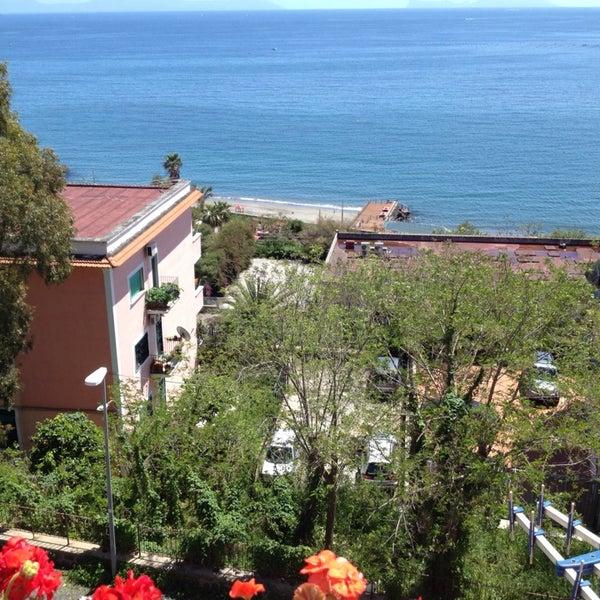 Foto tirada no(a) Hotel la Tripergola por Procolo G. em 5/1/2014