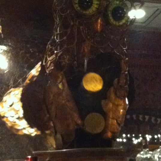 Foto diambil di The Owl Bar oleh Karen pada 11/22/2012