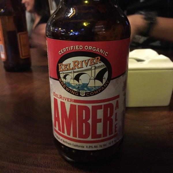 Das Foto wurde bei The Beer Box von Dante B. am 3/27/2016 aufgenommen