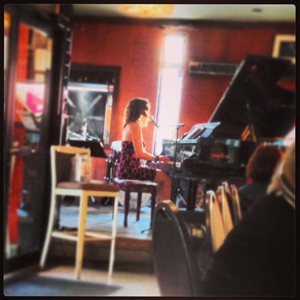 8/17/2013にAakaash M.がThe Rex Hotel Jazz & Blues Barで撮った写真