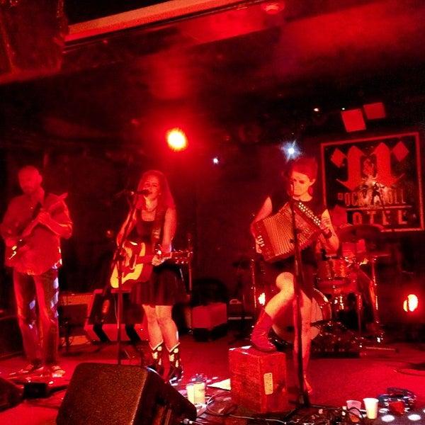 Foto scattata a Rock & Roll Hotel da Jeff S. il 7/21/2013