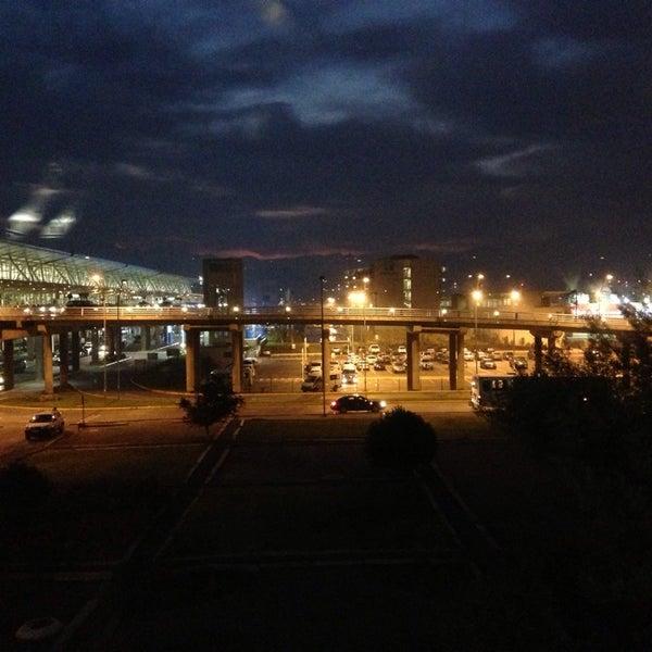 Foto tirada no(a) Aeropuerto Internacional Comodoro Arturo Merino Benítez (SCL) por Felipe G. em 5/22/2013