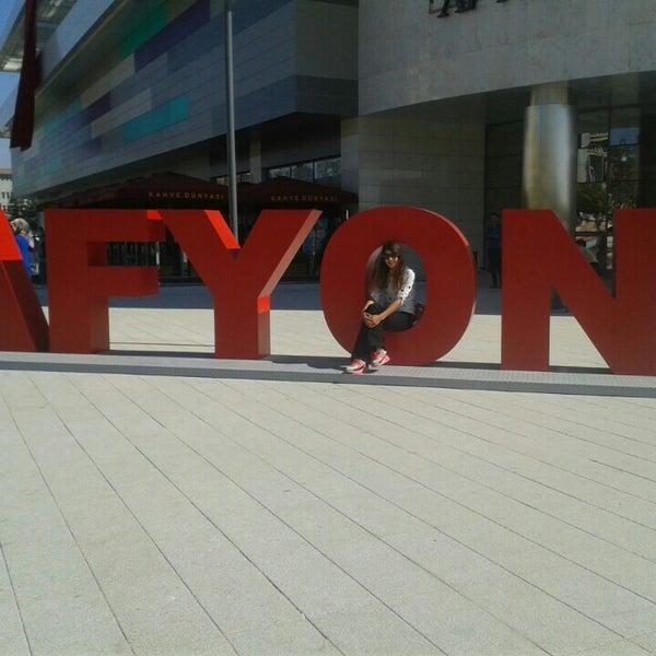 Foto tirada no(a) Park Afyon por Ayşe Nur A. em 9/19/2015