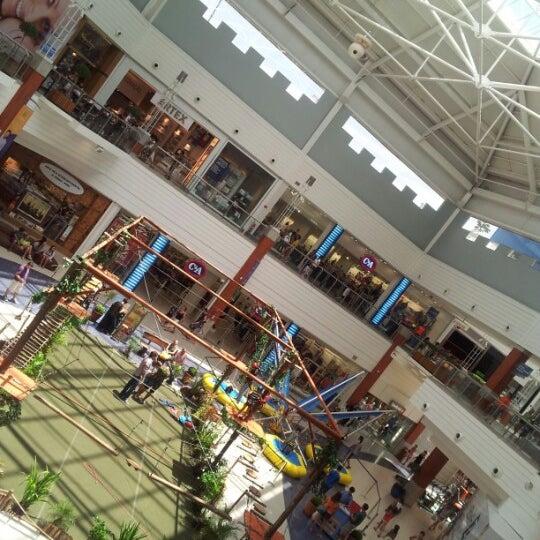 Снимок сделан в Floripa Shopping пользователем Digho A. 1/25/2013