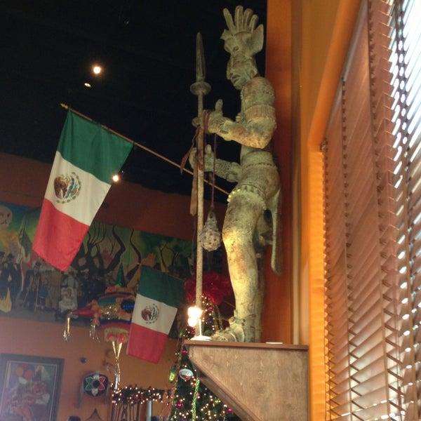 Das Foto wurde bei Mi Pueblito Restaurant Bar & Grill von Carlos Z. am 12/23/2012 aufgenommen