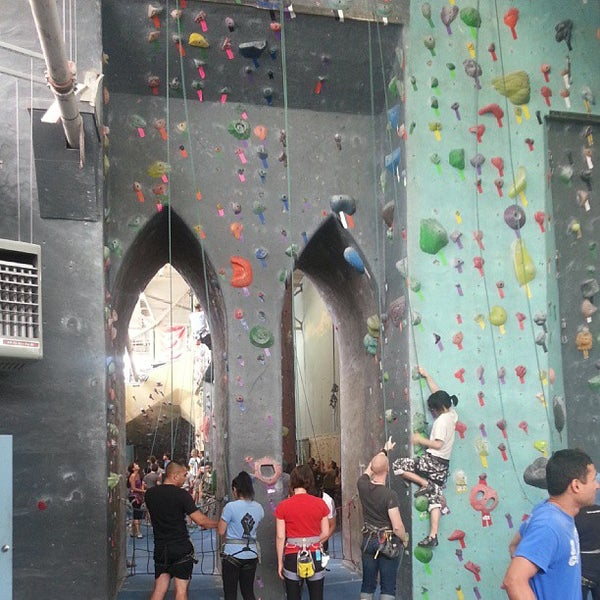 Foto tirada no(a) Brooklyn Boulders por Mark S. em 9/15/2013