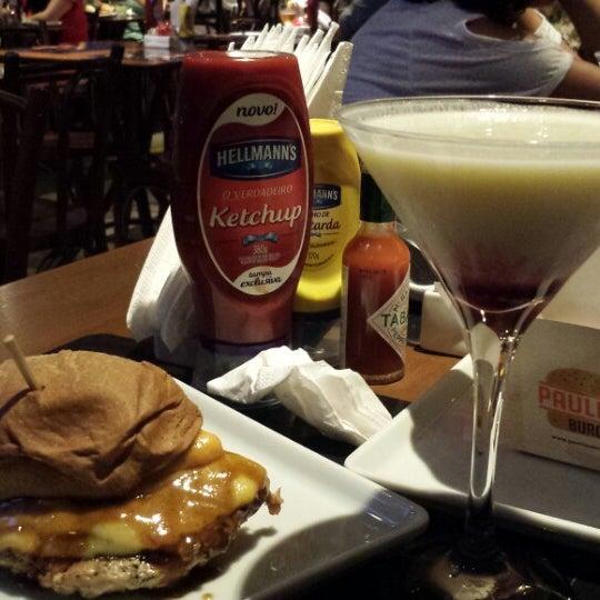 รูปภาพถ่ายที่ Paulista Burger โดย Filipe L. เมื่อ 10/10/2014