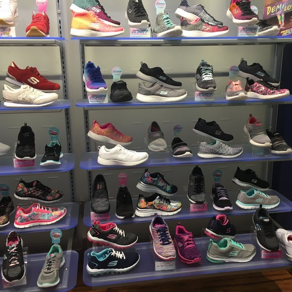 SKECHERS Retail - Shoe Store in City Center