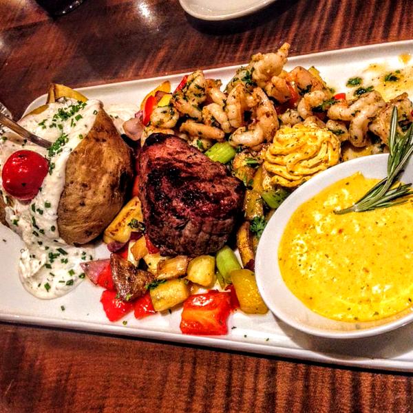 2/14/2019 tarihinde Sabri Y.ziyaretçi tarafından Bonfilet Steak House & Kasap'de çekilen fotoğraf