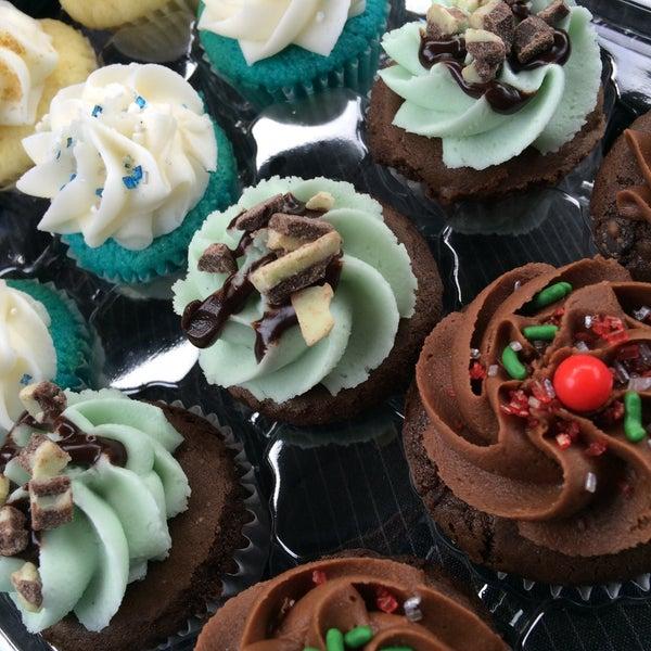 Foto tirada no(a) Cupprimo Cupcakery & Coffee Spot por Patrizio em 12/21/2015