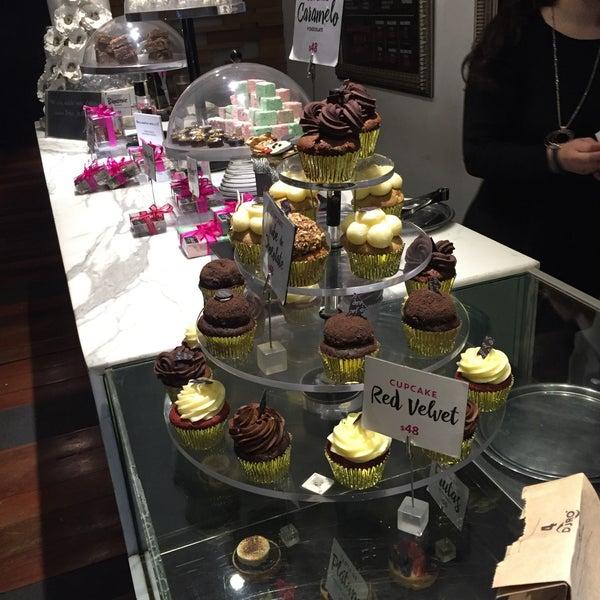 รูปภาพถ่ายที่ Jaso Restaurant โดย Liisa L. เมื่อ 1/25/2018