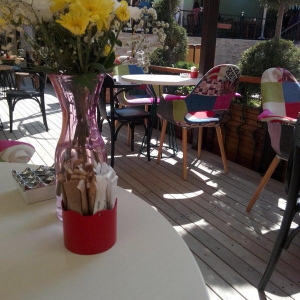 Foto diambil di Pano Restaurant ve Kahve Evi oleh Büşra U. pada 8/30/2014