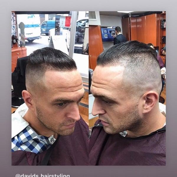 Foto scattata a David's Hairstyling da Dima Y. il 3/14/2019