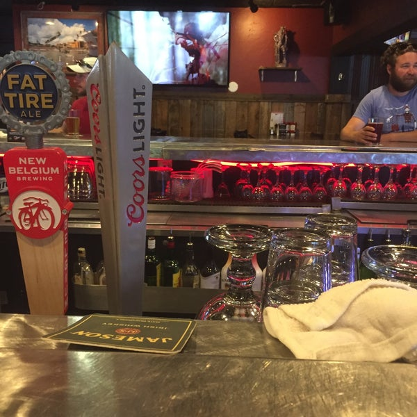 6/4/2017에 Bob W.님이 Jerseys Bar & Grill에서 찍은 사진