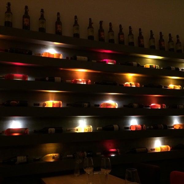 Foto diambil di Atelier Red & Wine oleh Pedro C. pada 11/18/2014