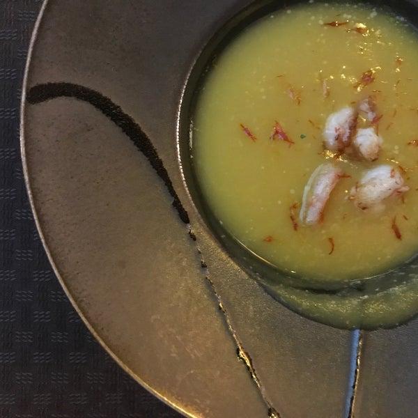 Крем-суп из Пастернака с шафраном . Скажу я вам, это что-то великолепное.