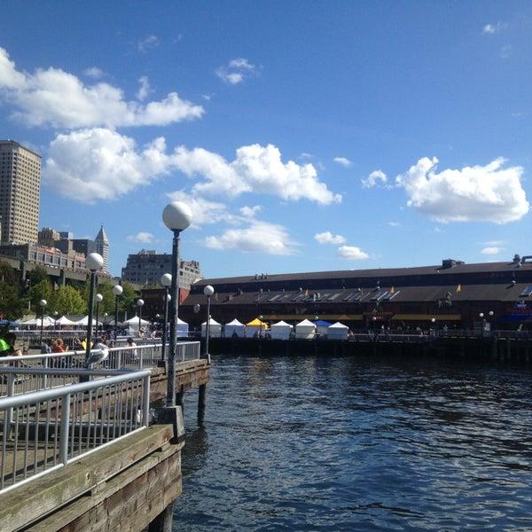 Das Foto wurde bei Waterfront Park von Ruben K. am 8/30/2013 aufgenommen