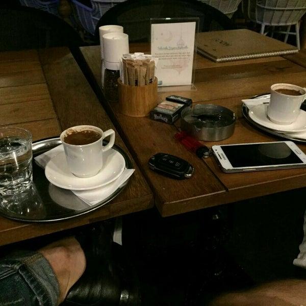 Foto tomada en Boon Cafe & Restaurant por Ertan D. el 6/30/2016
