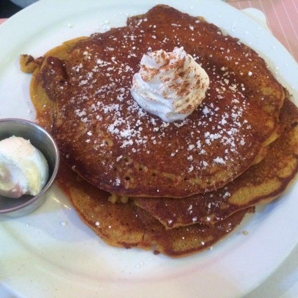 Foto diambil di The Breakfast Club & Grill oleh Ryan M. pada 11/30/2014