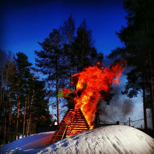 3/17/2013 tarihinde Mikhailziyaretçi tarafından Охта Парк'de çekilen fotoğraf