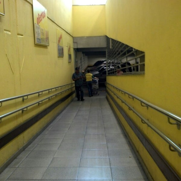 Foto tirada no(a) Supermercado Comercial Esperança por Ricardo S. em 4  d9d42cef2c