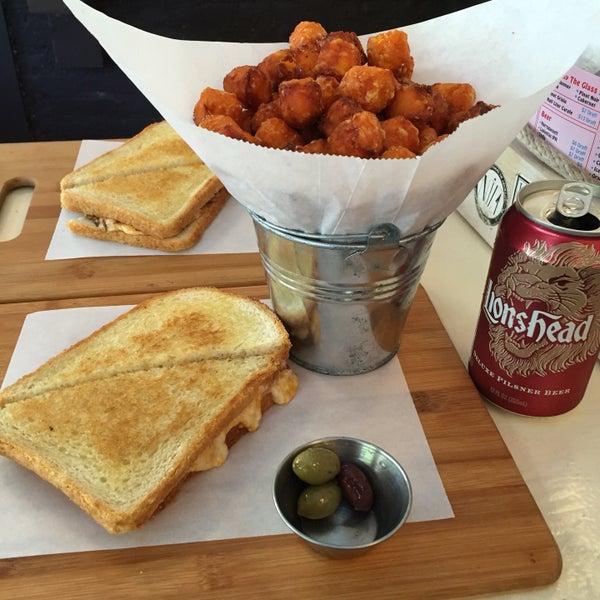 Photo prise au Cheese Grille par Justin T. le9/26/2016