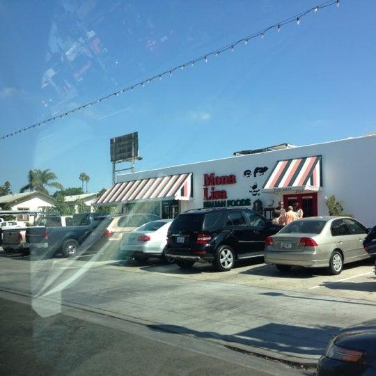 Das Foto wurde bei Mona Lisa Italian Restaurant von Vince D. am 10/8/2012 aufgenommen