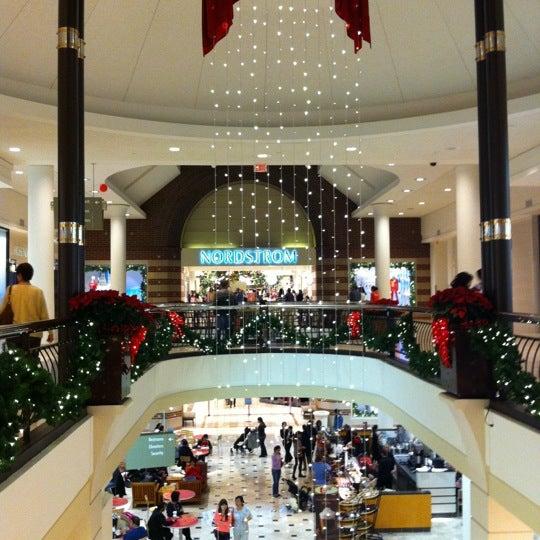 11/24/2012 tarihinde Herb L.ziyaretçi tarafından Tysons Corner Center'de çekilen fotoğraf