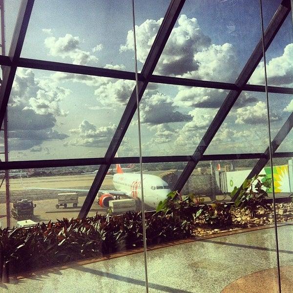 Foto tomada en Aeropuerto Internacional de Brasilia Presidente Juscelino Kubitschek (BSB) por Paula M. el 11/20/2013