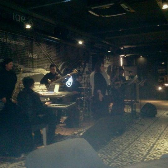 1/24/2013 tarihinde cemal e.ziyaretçi tarafından Mint Restaurant & Bar'de çekilen fotoğraf