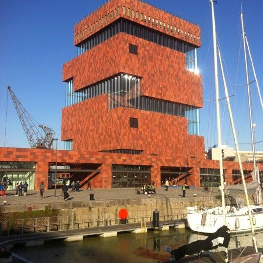 Foto tirada no(a) MAS | Museum aan de Stroom por Cedric D. em 10/10/2012