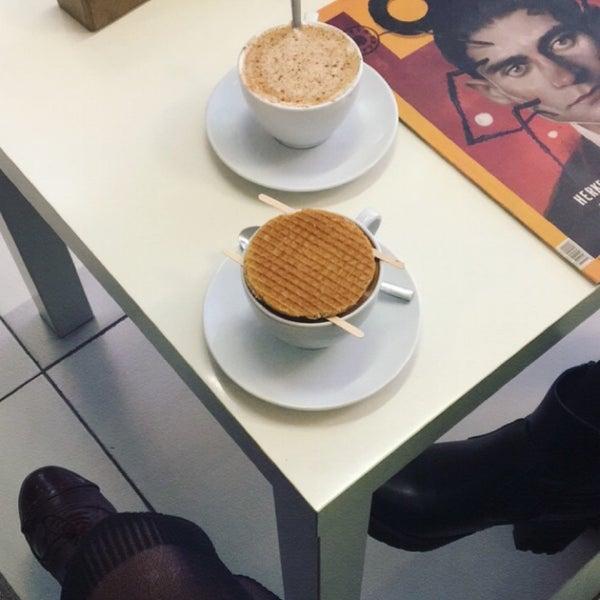 Foto tirada no(a) Cotta Coffee por Rüya C. em 11/1/2017